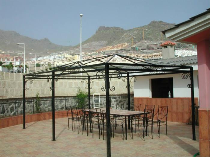 Forja para exteriores jardines y mobiliario urbano herrer a lamarth e - Pergolas de forja ...