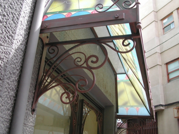 Elementos de arquitectura en hierro forjado