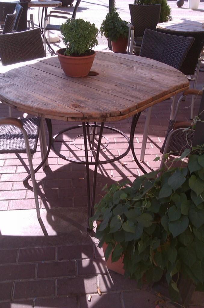 Mesas de jard n y terraza herrer a lamarth e - Mesas de terrazas ...